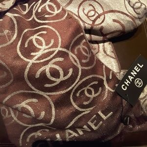 Chanel Reversible Scarf/Shawl in Brown Cashmere